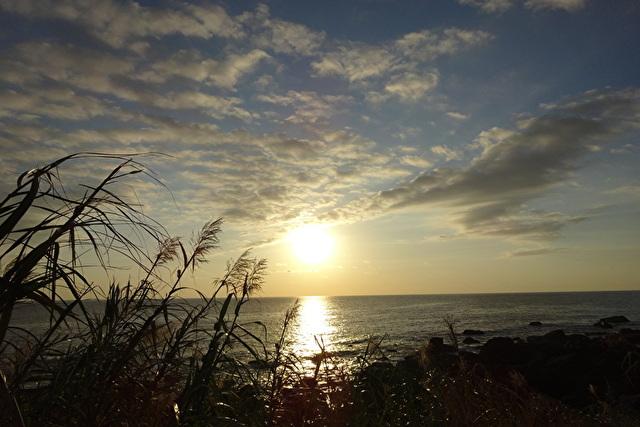 早朝の海岸線